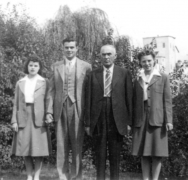 Fountains Family 1941