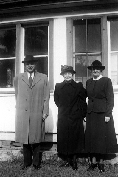 Johnson, George, Ella & May Underwood